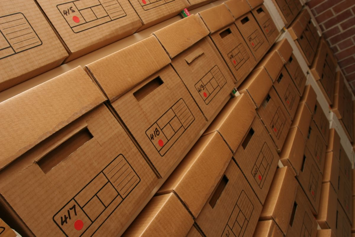 dokumenty w pudlach - firma